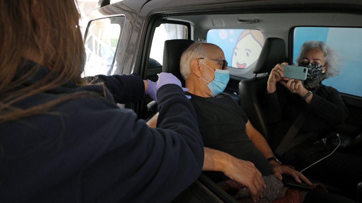İsrail'den Filistin'e koronavirüs aşısı engeli